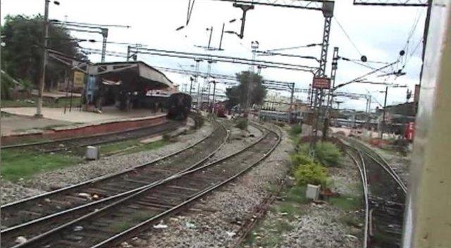 Leaving Bangalore City - 2008 MYS Shatabdi (Aug. 6, 2007)