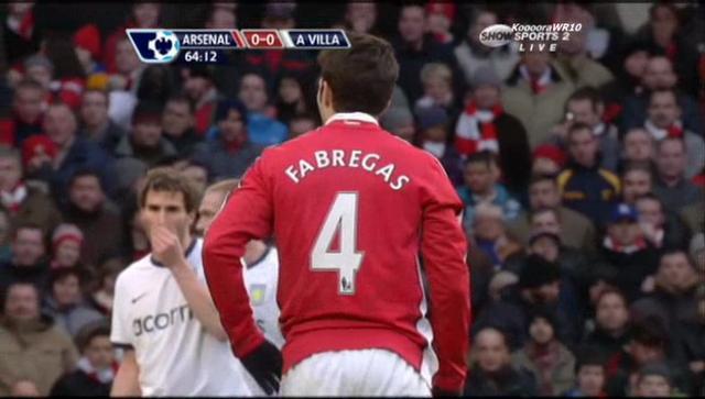 Arsenal2_V_0AstonV_Fabregas