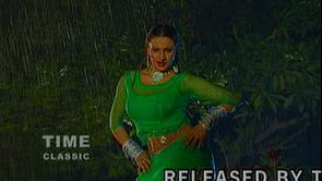 http://hotmujra.org/saima-khan-green-half-tight-dress-mujra/