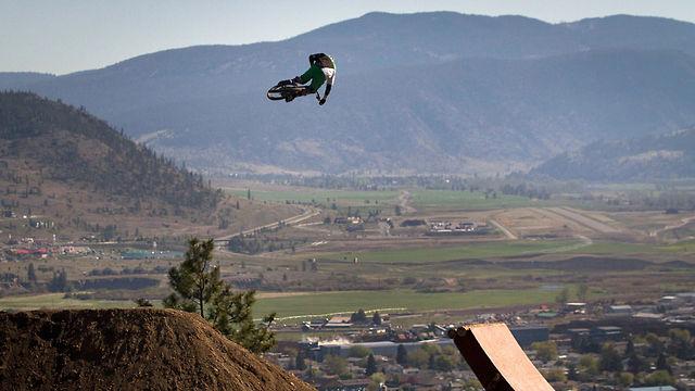 Vanderham Takes Flight