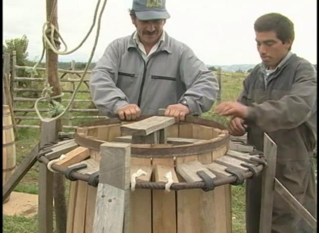 Construcción de Toneles de Madera