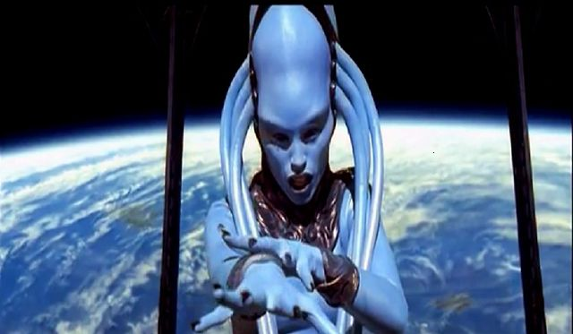"Il dolce suono - ""The Diva Dance"" - Diva PlavaLaguna ... voice by Inva Mula-Tchako - The Fifth Element"