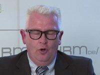 Wolfgang Elfinger: Vorteile Aufbau einer Versicherungsabteilung im Unternehmen