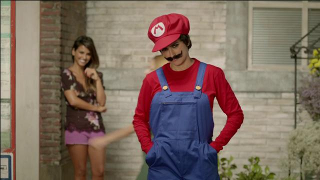 NINTENDO_New Super Mario Bros. 2 - TV Spot featuring *Penelope Cruz*