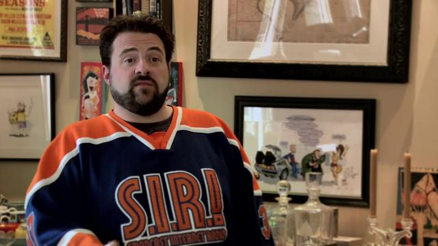 Bruce Willis saves Kevin Smith