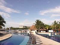 Hotel bluebay grand esmeralda playa del carmen m xico for Blue bay grand esmeralda deluxe v jardin