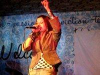 Komal Malik sing Live