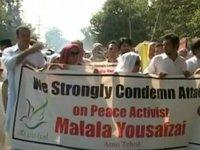 Hillary Clinton condemns attack on Malala