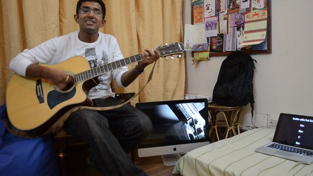 Pani da rang on guitar..!Latest bollywood song on guitar(movie-vicky donor)(singer-Ayushman) on ...