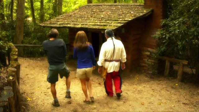 Oconaluftee Indian Village: Cabin Tour