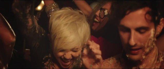 Descargar Decisions de Miley Cyrus Ft Borgore musica