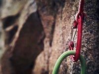 Rock Climbing Basics 5: Clipping a Quickdraw