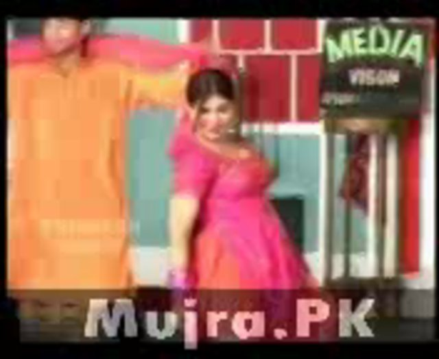 musarat sheikh new hot mujra way main gandi haan
