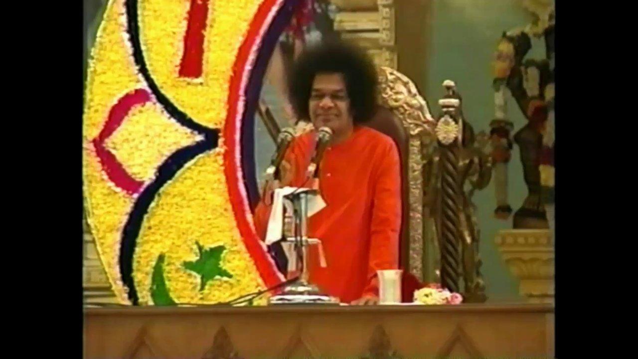 Bhajans with Sathya Sai Baba