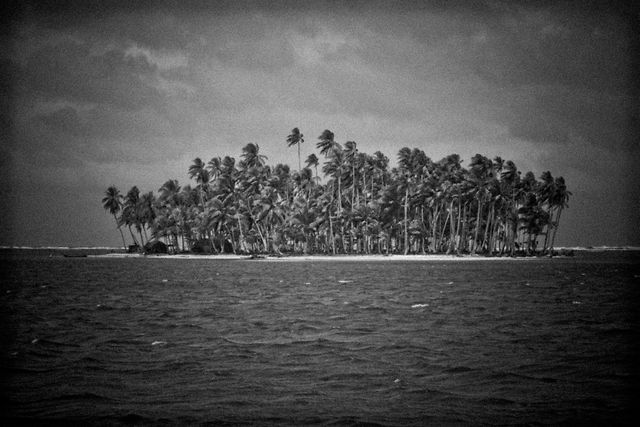 HIDDEN LINES - Chapter II - San Blas Islands