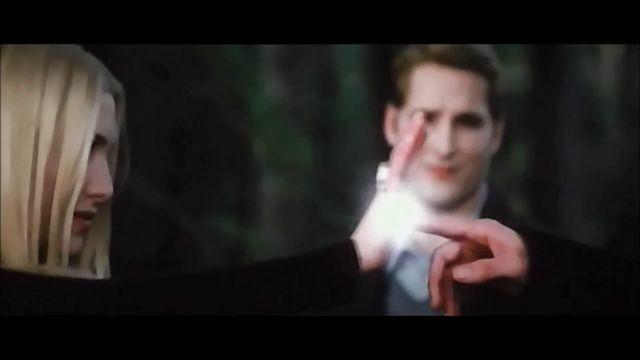 Robert Pattinson Praises Kristen Stewart As A Vampire - MTV