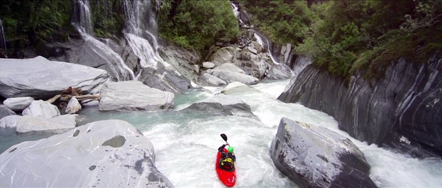Toaroha Canyon - a Whitewater Kayaking adventure
