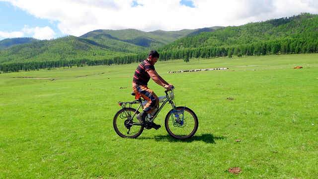 Mongolia X2012 // Mountain biking in the land of Genghis Khan // A short bicycle film in HD