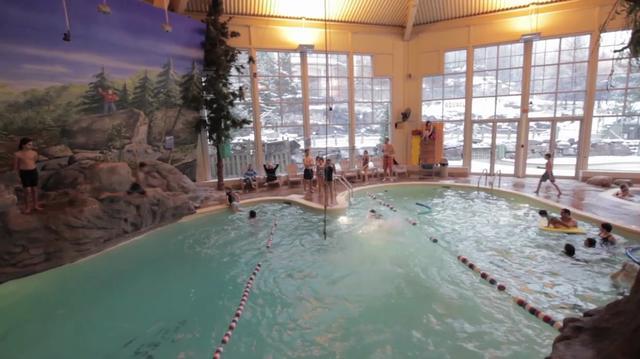 Aquaclub la source on vimeo for Cegep la pocatiere piscine