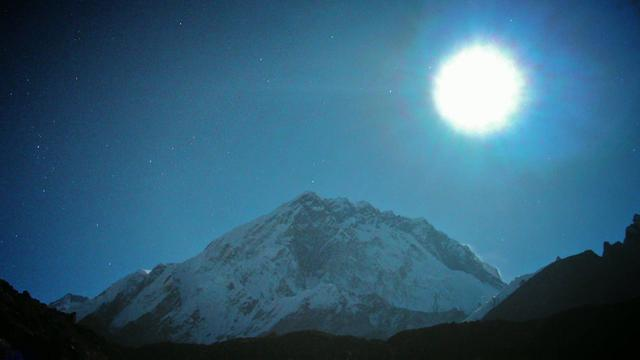 Everest: Full Moon Over Everest - Clip