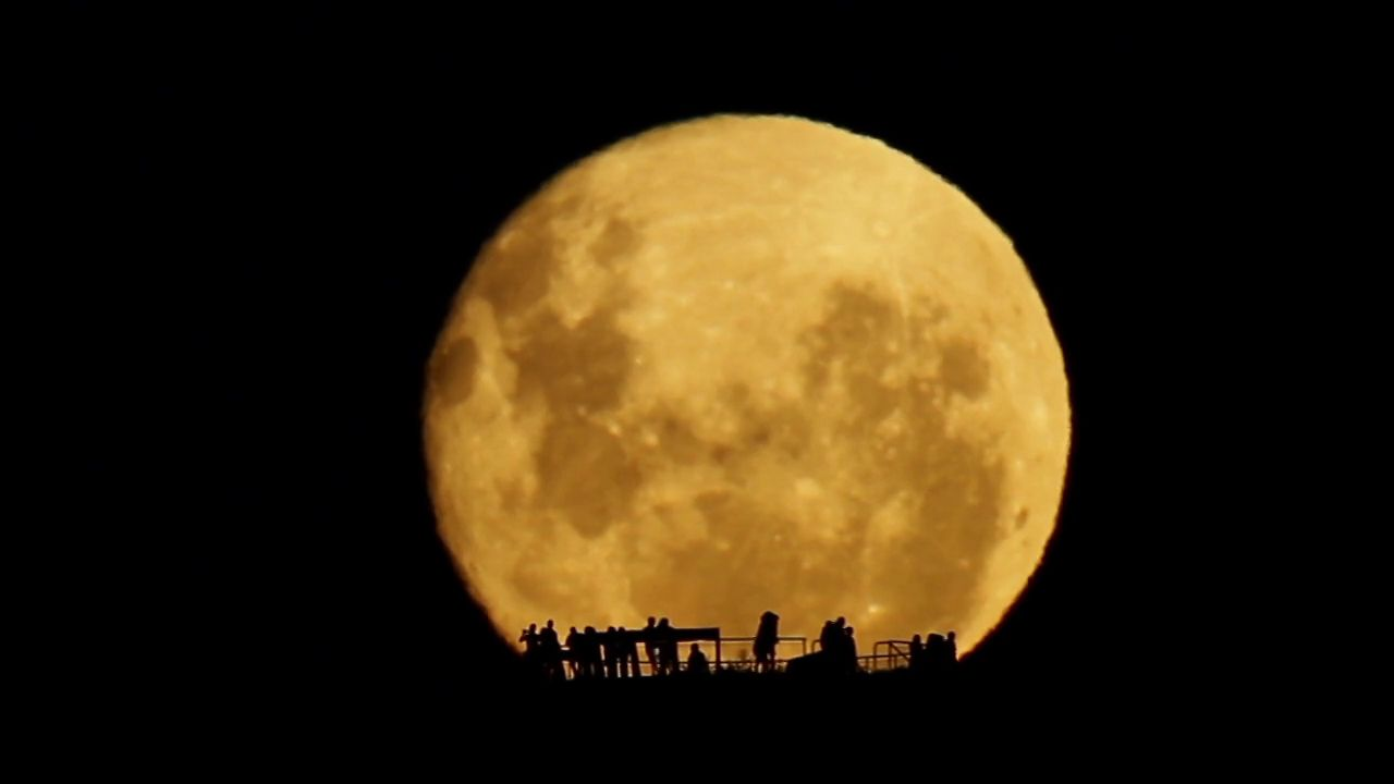 Astronomy Picture of the Day -- Full Moon Silhouettes | NASA | January 30, 2013 | (see photo credit) | Posted on 01/30/2013 4:35:44 AM PST by SunkenCiv