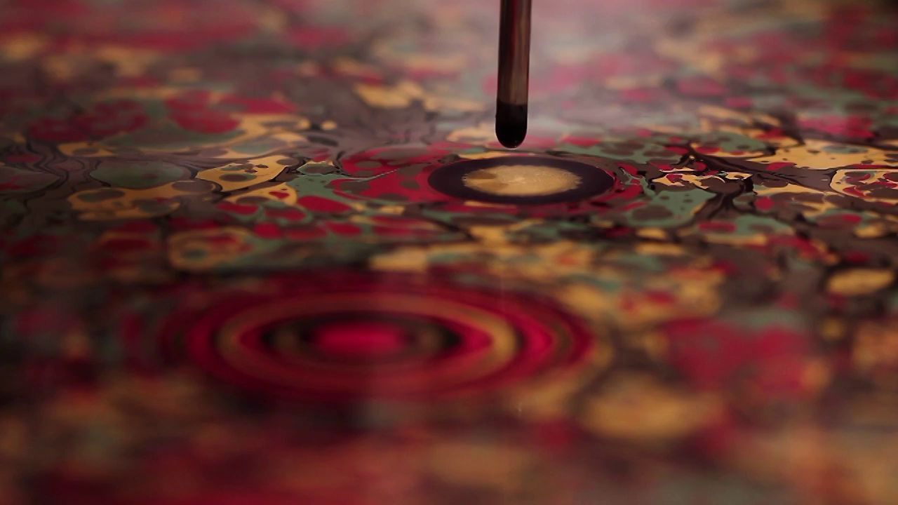 A técnica do Ebru proporciona imagens belíssimas