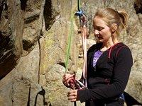 Rock Climbing Basics 9: Abseiling