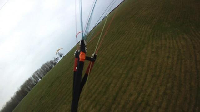 Paragliding Whitewool 26th feb. (and crashing)