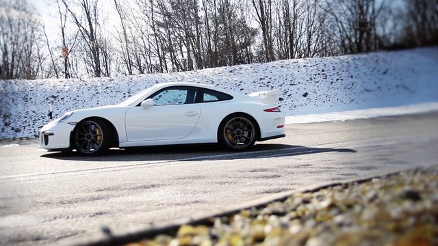 Porsche: GT3 Weissach 2013