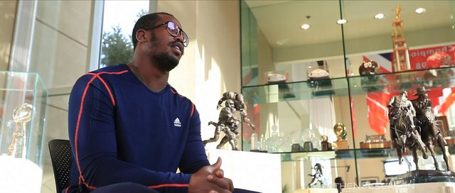 Von Miller 'Chicken Business'