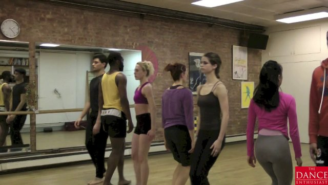 Dance Up Close : A Dance Enthusiast Minute of Movement from Portals and Passageways
