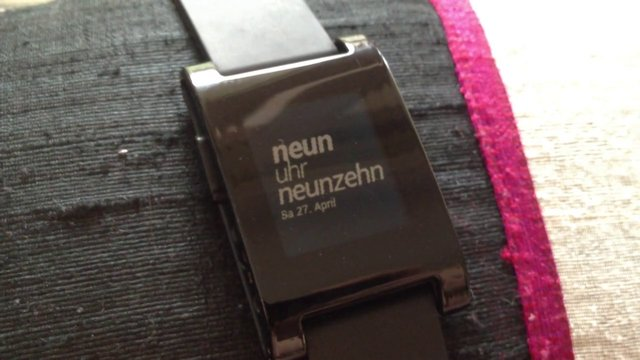 play Pebble Watch Face