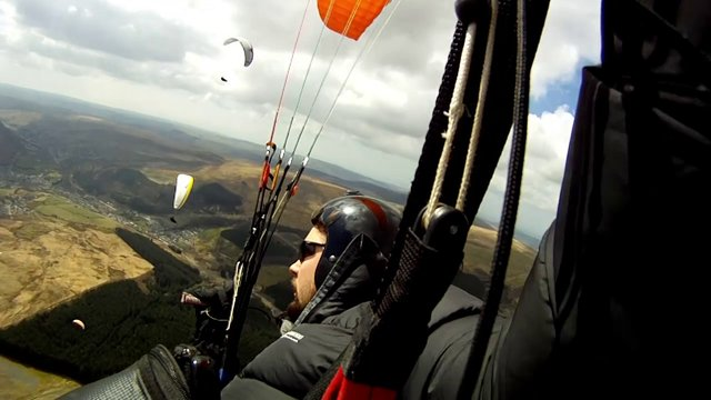 Amazing Paragliding Flight Over the Brecon Beacons