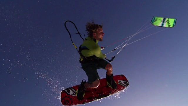Kitesurfing News - SAM LIGHT + SLINGSHOT (PART 2)