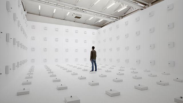 Zimoun : 198 prepared dc-motors, wire isolated, cardboard boxes 30x30x8cm, 2012
