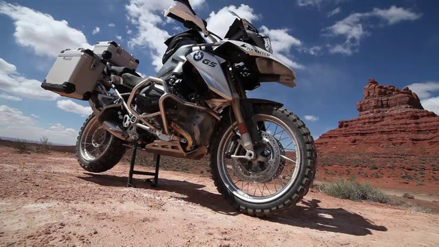 BMW R1200GS - MAKE YOUR ESCAPE