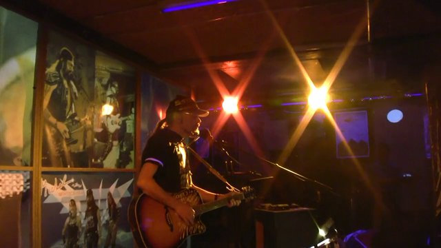 Topical Action - Michel Montecrossa's outstanding Solo Acoustic Concert with his up-to-date New-Topical-Songs