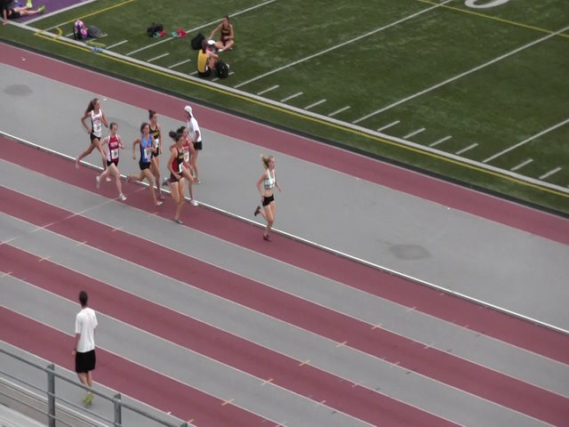 2013-lds-meet-2-womens-800m-heat-2