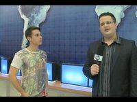 """Em entrevista ao jornalista Alexandre Savéh, o apresentador Patriolino Ribeiro Neto falou sobre a quarta temporada do """"Bora Viajar?!"""", programa da TV Cidade Fortaleza."""