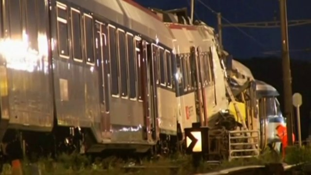 Two trains collided head-on in Switzerland on Monday evening, injuring about 35 people, five seriously, police said. – Video by Reuters