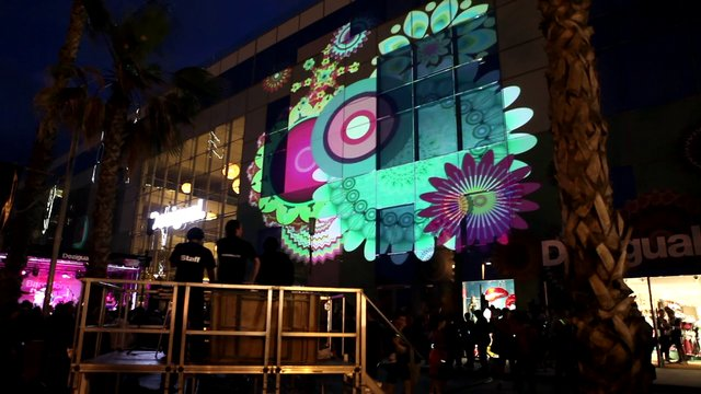 Desigual night run on vimeo - Desigual oficinas barcelona ...