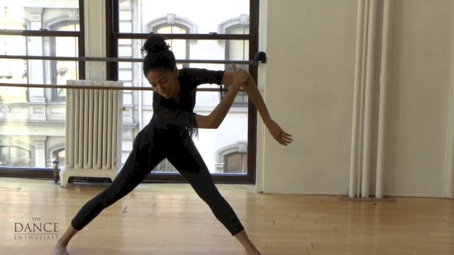 A Dance Enthusiast Minute: Dance Up Close - Sumaya Jackson of Janis Brenner and Dancers in a Minute of Question.