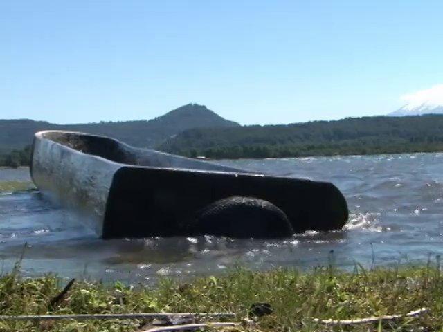 El rescate de la navegación lacustre ancestral a través de la reconstrucción de los Wampos o canoas es el objetivo de un proyecto muy particular registrado en el lago Panguipulli.