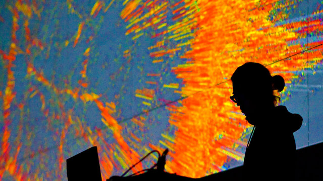 Synesthetic Sensory Stimulation with Ryoichi Kurokawa