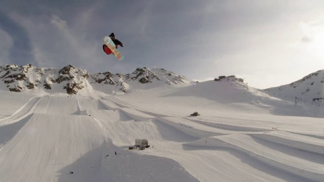 Pirate TV - Val Senales hip session