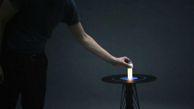 Table électro-magnétique