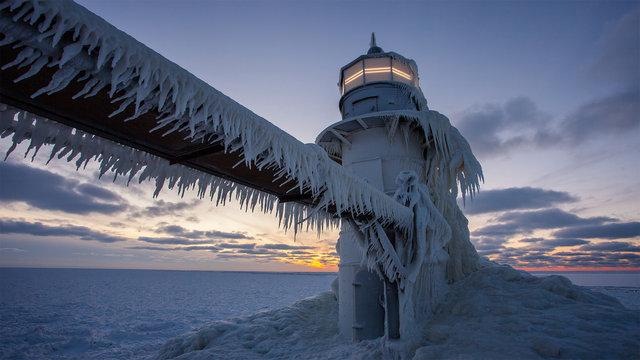Lighthouse Ice Timelapse
