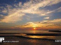 瀬戸内海の夕焼け 微速度撮影 引き潮と穏やかな夕焼け