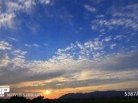 鱗雲の夕焼け 微速度撮影 南東向き 西の風