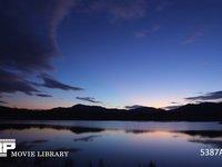湖畔の朝 微速度撮影 静かな湖畔の朝焼け 1
